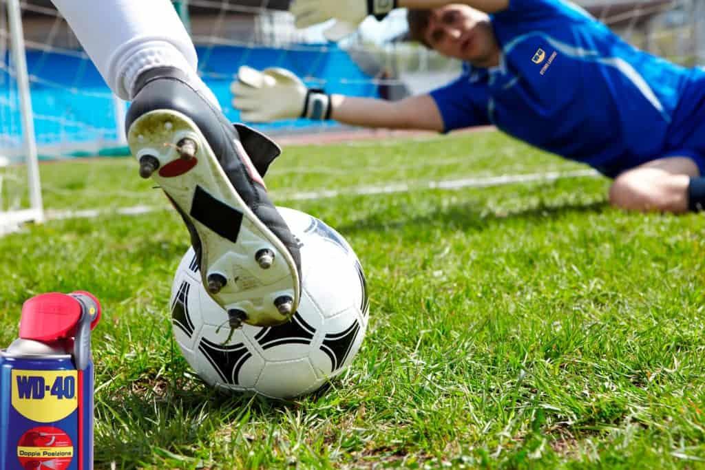 Come pulire e proteggere i tacchetti delle scarpe da calcio