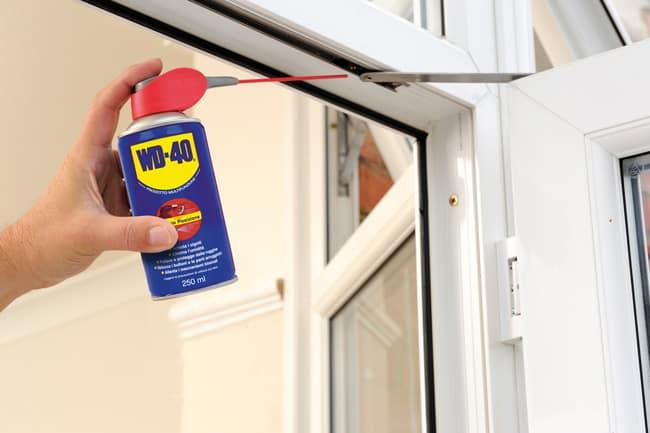 Come lubrificare le cerniere delle porte